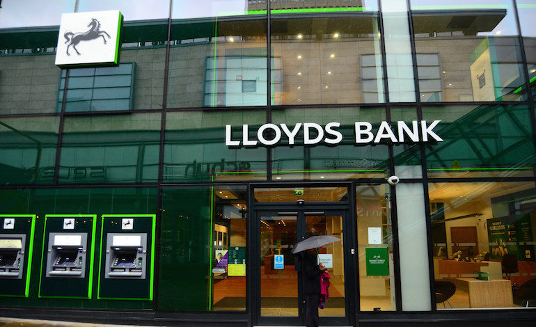 Lloyds Banking Group plc (LYG) has a 52-Week High of $4.42
