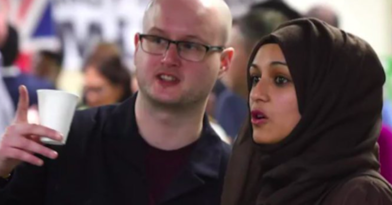 British Muslims give an extremely English response to an EDL march [TWEETS]