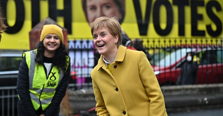 Roza Salih and Nicola Sturgeon
